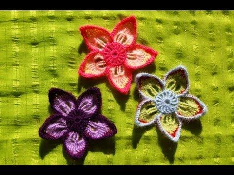 Kwiatek na szydełku