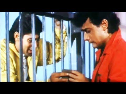 Video Salman Khan & Aamir Khan in police station | Andaz Apna Apna | Comedy Scene 8/23 download in MP3, 3GP, MP4, WEBM, AVI, FLV January 2017