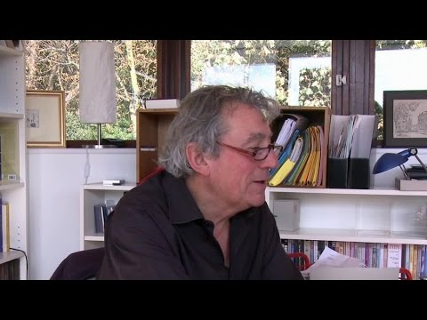 Terry Jones introduces the outtakes - Monty Python & The Holy Grail