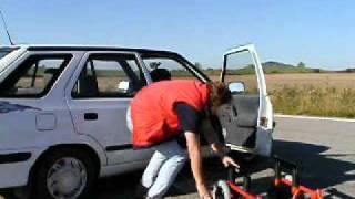 Speciální zařízení CARONY 001 ve voze ŠKODA Felicie - přesun do vozu