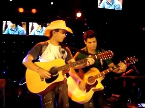 Roby & Roger - Palavras ao Vento (Show em Parapuã-SP)
