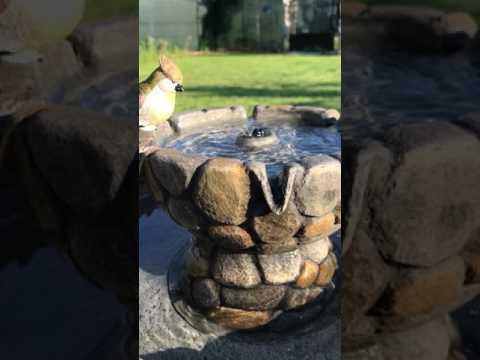 recensione fontana con pannello solare