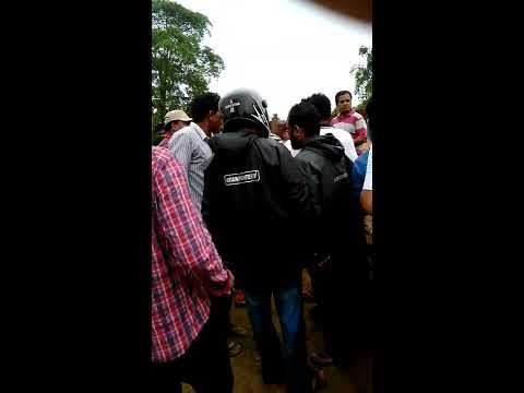 Video Bhawanipatna sinjharan chowok road accident download in MP3, 3GP, MP4, WEBM, AVI, FLV January 2017