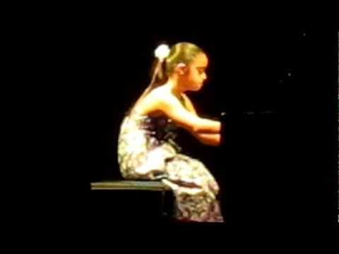 Watch video Síndrome de Down: Presentación de Sara al piano