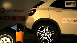 Crash Test Trasero Mercedes GLA 200