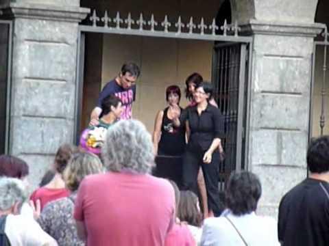 Homenaje del ayuntamiento de Ugao-Miraballes a Julian Sanz.