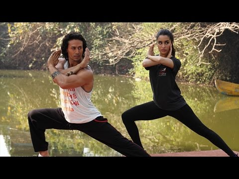 Tiger Shroff TEACHES Shraddha Kapoor Martial Arts