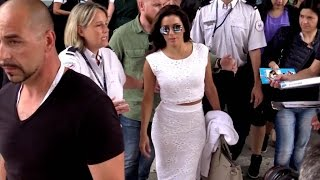 Nonton EXCLUSIVE: Eva Longoria arriving at Nice airport for the 2015 Cannes film festival Film Subtitle Indonesia Streaming Movie Download