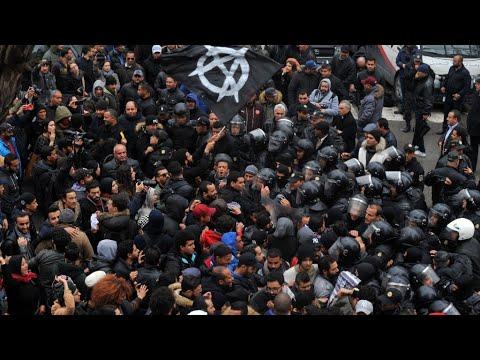 العرب اليوم - شاهد: تواصل حركة الاحتجاج الاجتماعي في تونس