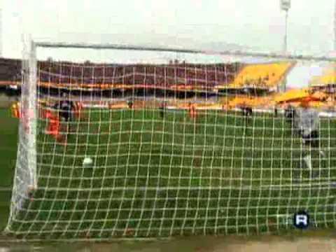 I gol di Chevanton con il Lecce