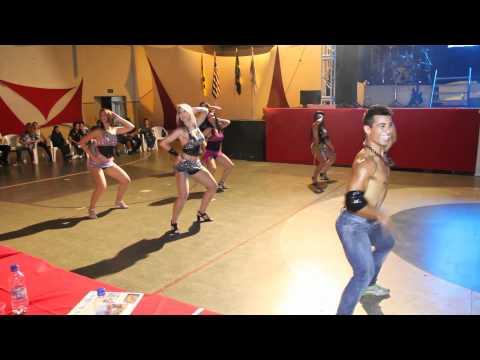 Equipe Swing Brasil em Bady Bassitt - Música: Assim você mata o papai (Sorriso Maroto)