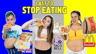 Video LAST To STOP EATING FAST FOOD Wins $10,000 Challenge! *BAD IDEA* | The Royalty Family MP3, 3GP, MP4, WEBM, AVI, FLV September 2019