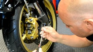 9. Adjusting the suspension on the Triumph Street Triple R