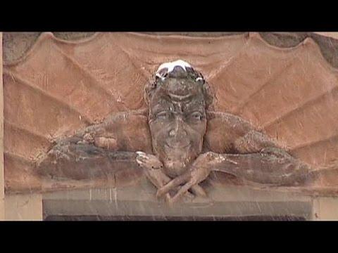 Ρωσία: Οργή για την καταστροφή ανάγλυφου του Μεφιστοφελή