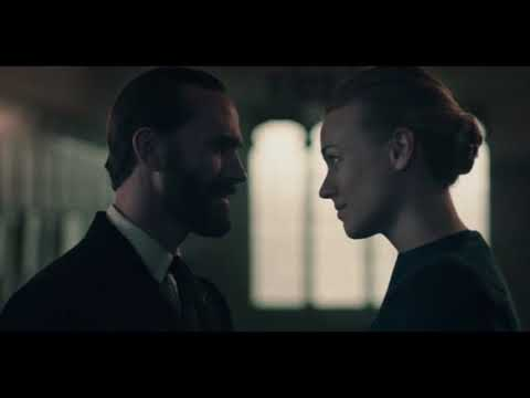 The Handmaid's Tale 2x13 - Fred lets Serena be punished