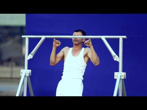 太強!印度男挑戰「小指引體向上」,30秒內做了16次破世界紀錄!