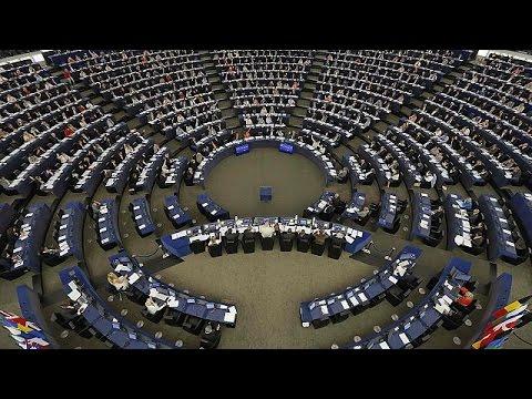 «Ναι» από το Ευρωκοινοβούλιο στην πρόταση της Κομισιόν για την κατανομή 120.000 προσφύγων