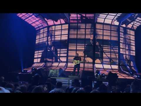 Ed Sheeran – Dive (Live in Berlin) (видео)