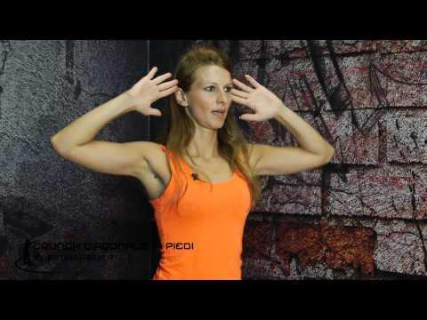 Crunch diagonale in piedi - Terry Fitness