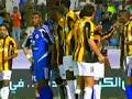 حركة وسخة من لاعب الهلال خالد عزيز