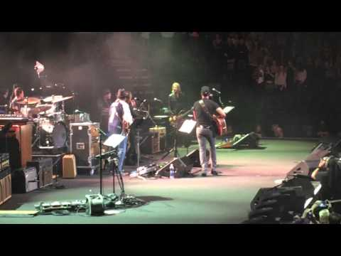 Watch Luke Bryan sing Merle Haggard's BIG CITY