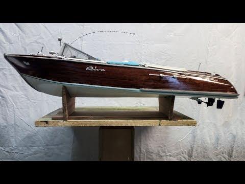 Costruzione modello di  motoscafo Riva Aquarama