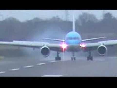 Thomsonfly Landing Birmingham Airport