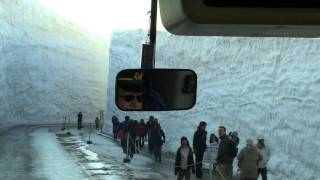 15 Meters Snow In Japan - Crazy!