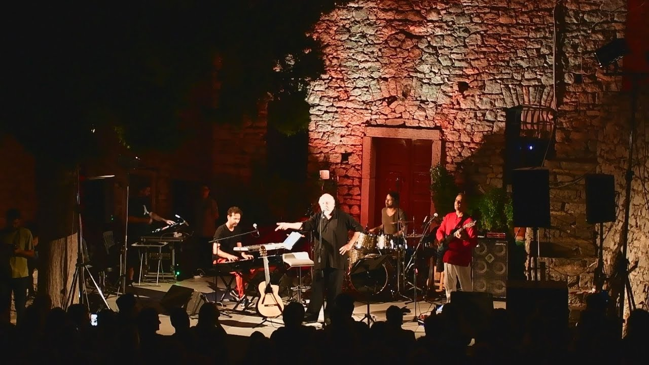 Ναύπλιο: Αυγουστιάτικη πανσέληνος με συναυλία του Διονύση Σαββόπουλου στο  Παλαμήδι