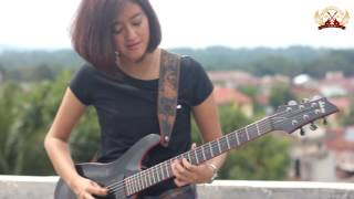 Sudah Cantik Jago Pulak Bermain Gitarnya