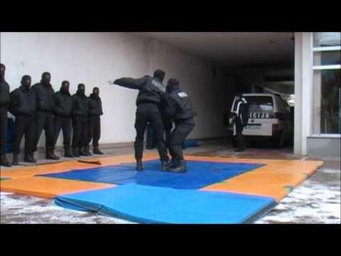 Specijalna policija Travnik - demonstracija