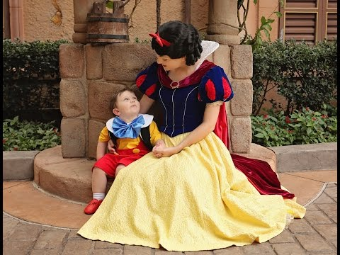 Toddler With Autism Falls In Love With Snow White At Walt Disney