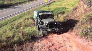 Caminhão Militar REO M813 5 Ton
