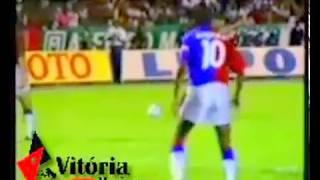 """Jogo que garantiu o Vitória na fase final do Brasileirão de 1993. *Video original do blog """"Vitória Maníacos""""."""