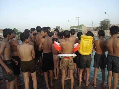 swimming pool rbw.AVI