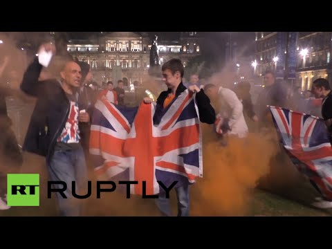 UK - Singing 'Rule Britannia', the supporters of the No campaign set off red coloured fire crackers and waved Union Jack flags. With tensions high, police kept opposing political forces apart. ...