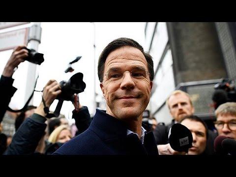 Σίγουρος για τη νίκη του ο Μαρκ Ρούτε λίγο πριν τις ολλανδικές εκλογές