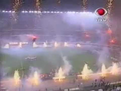 Video - River Plate Campeon Supercopa 1997 - Recibimiento Vs. San Pablo - Los Borrachos del Tablón - River Plate - Argentina