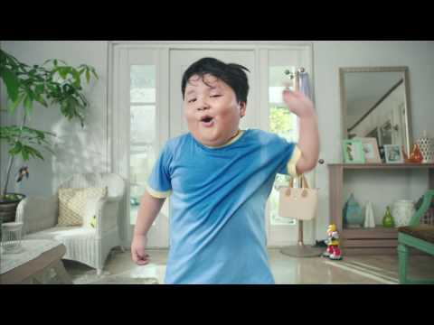 "Downy ""Kisses"" TVC30s With Yuan Francisco And Titas"