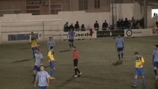 La Sénia va guanyar l'Aldeana (3-0) en un partit molt més igualat del que el resultat final pot fer pensar. Els seniencs, per una nit, van ser campions. Però la ...
