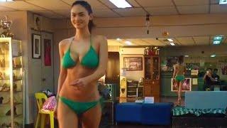 Video Pia Alonzo Wurtzbach Practicing Her Walk In Green Bikini MP3, 3GP, MP4, WEBM, AVI, FLV Agustus 2018