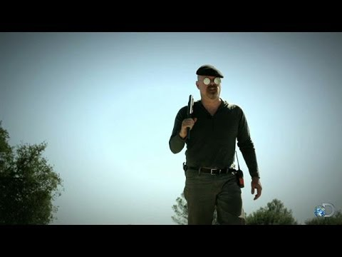 peek - See what's in store -- including one heart-stopping moment (ADDDDDAAAAAAAM!) -- when all-new MythBusters episodes return later in 2014. | For more MythBuster...
