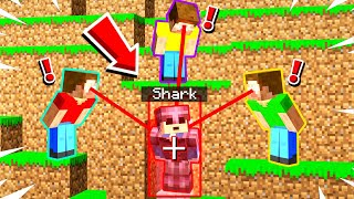 Minecraft Manhunt but i secretly CHEATED using a HACK CLIENT!