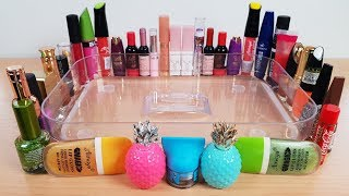 Mixing Lipstick and Nailpolish into Clear Slime