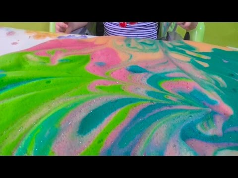 Делаем цветную пену. Интересные опыты для детей. самое популярное видео для детей. Игры для детей (видео)
