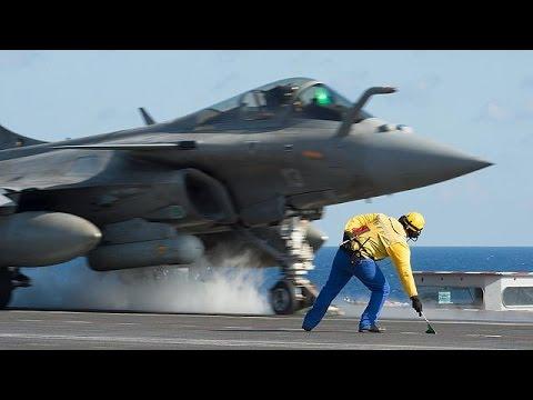 Οι Γάλλοι βομβαρδίζουν τη Ράκα της Συρίας