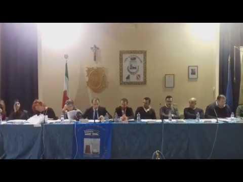 Martinsicuro, il consiglio approva legge sui garage e mozione sullo Sprar VIDEO