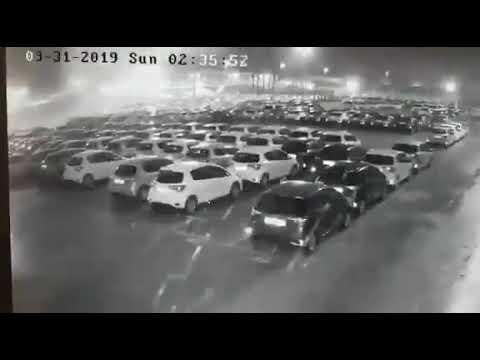 شاهدوا بالفيديو: تطاير السيارات الجديدة في ميناء حيفا بسبب الأجواء العاصفة