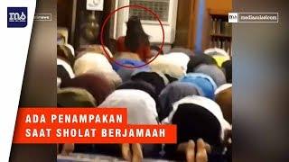 Video Heboh Di Malaysia, Ada Penampakan Sosok Saat Sholat MP3, 3GP, MP4, WEBM, AVI, FLV Maret 2019