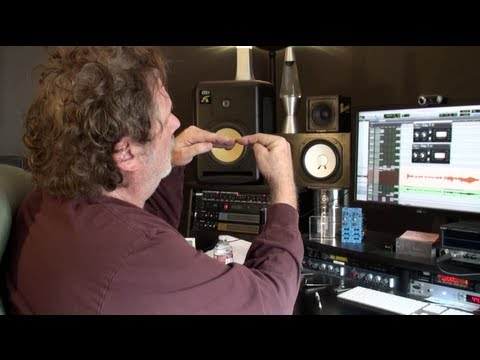 compression - In the 66th Into The Lair, GRAMMY winning Mix Engineer Dave Pensado shows examples of using the side chain on a compressor in new and different ways.